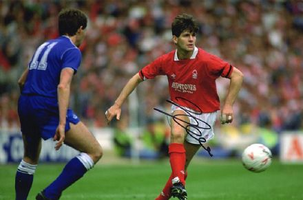 Brian Laws, Nottingham Forest, signed 12x8 inch photo.